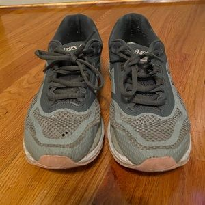 ASICS GT 2000 Grey Sneakers Size 9